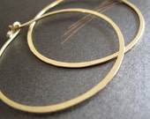 18k gold hoops hammered 18 karat solid gold endless hoop earrings matte gold