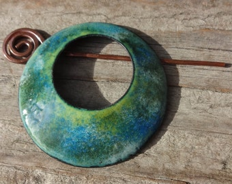 "Handmade Enamel on Copper Circle Shawl Pin 50mm, 2"", Enamel Shawl Pin, Hat Pin, Artisan Enamel Shawl Pin, Blue, Green, Yellow, White  (E393)"