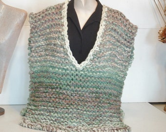 Poncho top men small medium women medium large chunky knit sleeveless pullover v neck vest side slits in gradients of brown green and white