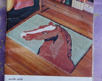 Aunt Lydia's  Horse Head punch needle rug pattern
