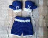 Crochet Baby Boxing set - boxing gloves -  shorts - baby outfit - boxing trunks - newborn - infant - newborn Photo prop - costume