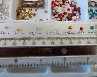 Choose your Rhinestone Chaton Demi Fins Vintage Glass Stones 100 pcs. VL 37