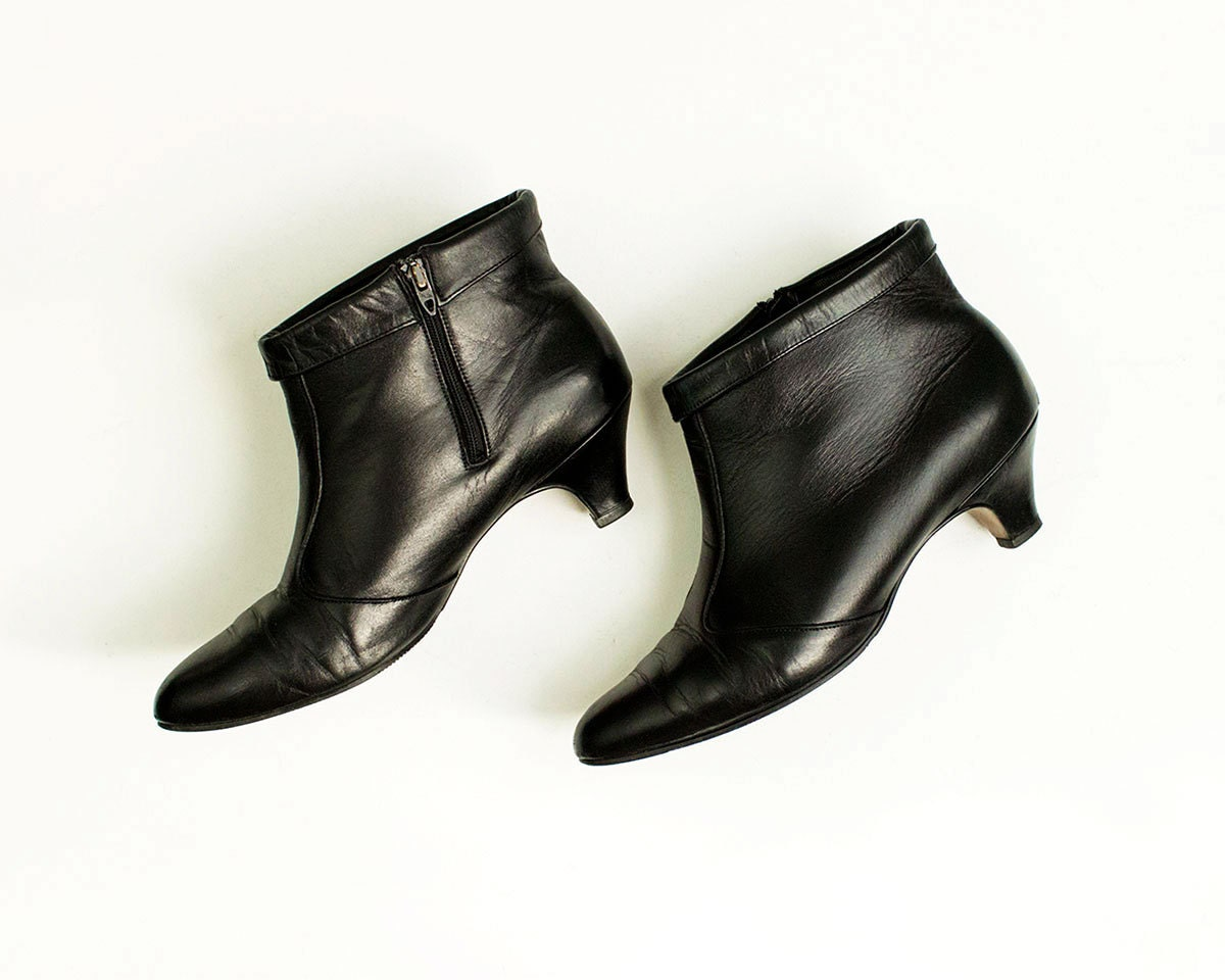 80s vintage black leather kitten heel ankle boots size us 9