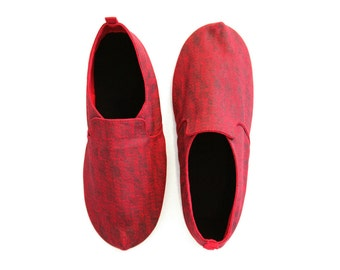 Sz. 12 Scarlet Chocolate Circuit Canvas/Rubber Lightweight Slip On Shoe