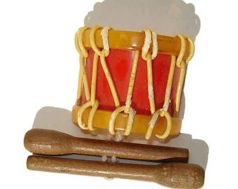 Vintage Bakelite Drum Brooch Patriotic Martha Sleeper Art Deco Sweetheart Pin BOOK PIECE