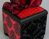 Chic Red Victorian Keepsake Trinket Lift Top Decorative Box