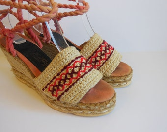 70s shoes / The Wild Pair Vintage 1970's Platform Wedge Espadrille Shoes