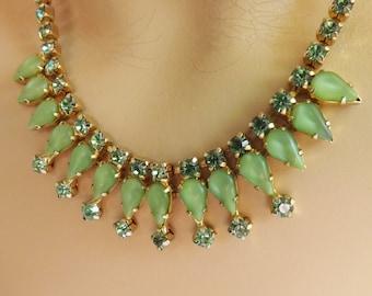 Vintage green rhinestone necklace gold tone metal bridesmaid wedding jewelry