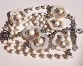 Handmade Cream Catholic Rosary with Magnesite and Mother of pearl Beads, Handmade Jewelry, Religious Jewelry, Cream Rosary