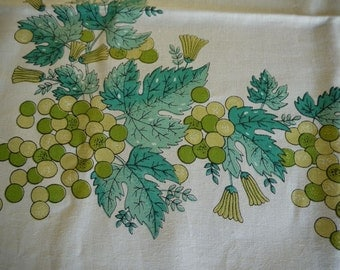 Vintage 1960s gold grapes tablecloth mint with paper label MOD