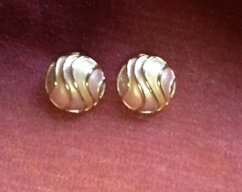 VINTAGE Lavender dome clip earrings