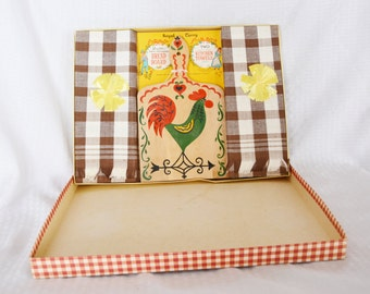 50s 60s Vintage NOS Unused in Box Rooster Kitchen Set Cutting Board & Towels