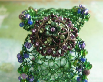 Crocheted Wire Cuff, Beaded Cuff with Rhinestone Closure, Crocheted Wire Jewelry, Unique Gifts for Her, Green Beaded Bracelet