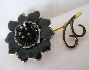 Flower Black Gold Brooch Vintage Pin