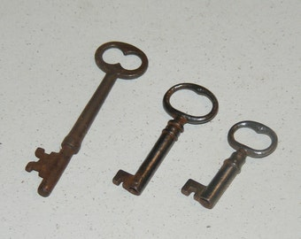 Lot of  3 Antique Metal Skeleton Keys Barrel Keys