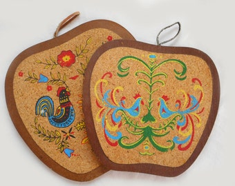 Vintage Pennsylvania Dutch Wooden Apple Trivets Retro Kitchen Decor Roosters Chickens Painted on Cork