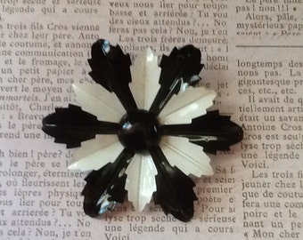 Large Vintage1950s Enamel Black and White Flower Blossom Brooch cottage or shabby chic jewelry