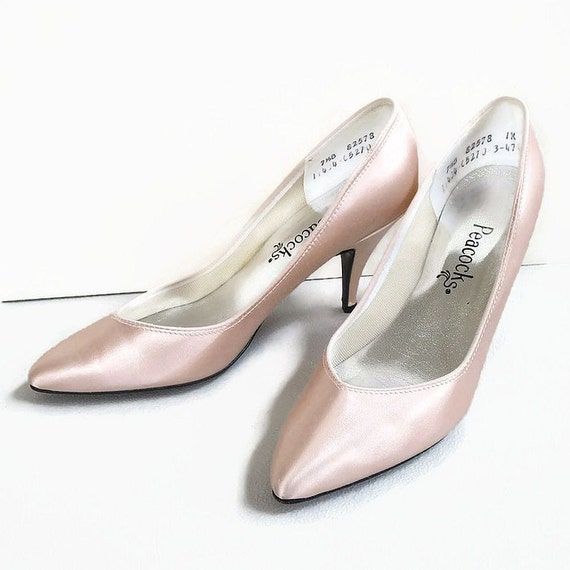 vintage blush pink satin high heel shoes by by myvintagejewels