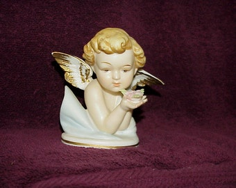 Vintage--Porcelain--Cherub--ANGEL--Figurine--Made In Japan--Holding Flowers In Hands