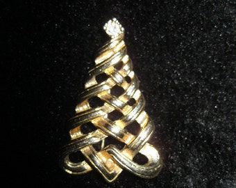 Vintage Gold Tone Christmas Holiday Tree Festive Brooch Pin