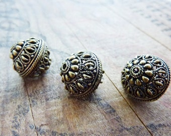 Metal Bead ornate Bead Filigree Beads Antiqued Gold Beads Metal Bead (2) IG422