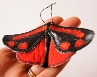 Cinnabar Tiger Moth Statement Fiber Brooch Natural History Jewelry Nature Lover Gift Entomology Luxury Woodland Gift Creature of the Night