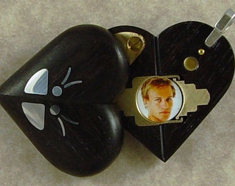 Illusionist Locket #3904 Thin Magic Ebony Locket with Sliver Butterfly by Illusion Lockets