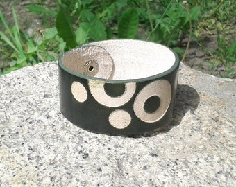 Green Leather Bracelet With Circle Pattern - Handmade - FREE Shipping Wordlwide
