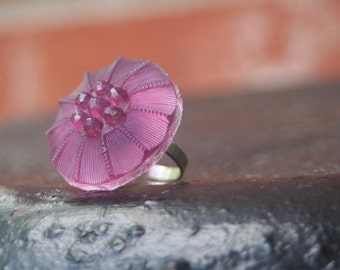 R8-9 Antique Button Resin Adjustable Flower Ring Purple