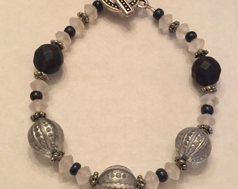 Blue & White Mixed Bead Bracelet