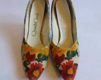 Vintage Pointy Toe Stiletto High Heel Shoes 6N Watercolor Floral Fabric