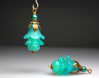 Vintage Style Bead Dangles Turquoise Green Lucite Flowers Pair G02