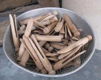 Antique Vintage Wooden Peg Clothes Pins Bag of 13 Laundry Goods GCC407
