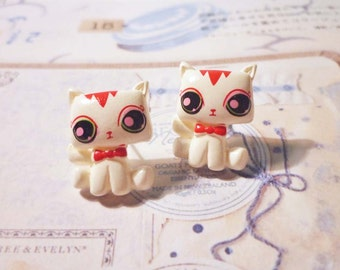 SALE - Kawaii Cat Stud Earrings