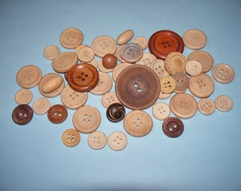 50 Vintage, Wood,  Buttons, Lot 2632 (Free US Shipping)