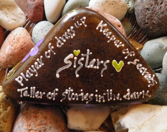 Hand Painted Idaho River Rock-Acrylic Original-Sisters-Paper weight-shelf sitter-violets-Purple-Sister Love-White-triangle rock-Memories