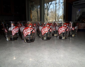 set of 8 vintage Nostalgia Fleur Sauvage wildflower rockette dancer tumbler rocks glasses red black white gold
