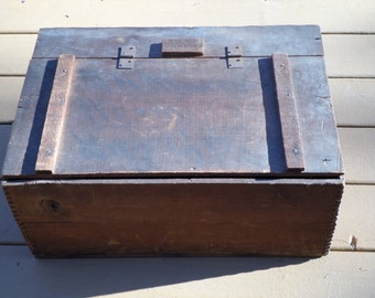 antique tongue & groove wood panels slat wooden bottom large BOX with hinged top