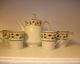 Vintage China Tea Pot/ Coffee Pot /  set of four cups   Holly Holiday       Royal Limited
