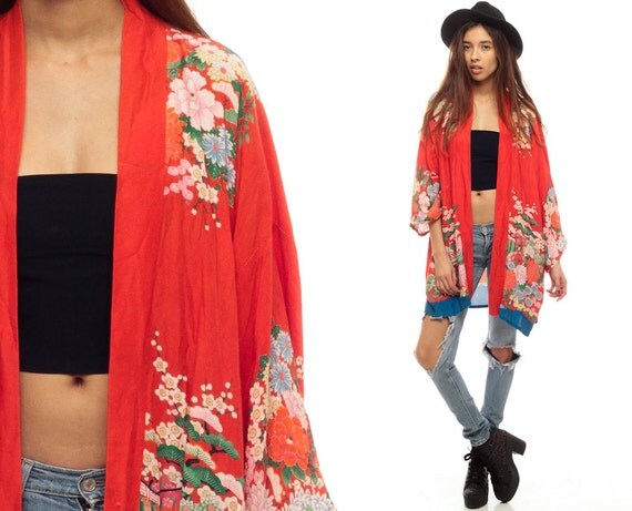 Woven fabric Floral embroidery Kimono sleeve Open front Our model wears a UK S and is cm/5'9'' tall.