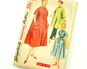 Vintage 1950s Womens Size 12 Robe or Day Dress in Two Lengths Simplicity Sewing Pattern 4471 / bust 34 / Missing Belt