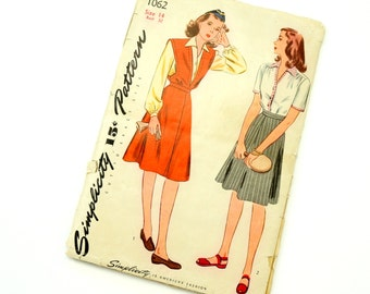 Vintage 1940s Misses Size 14 Jumper, Blouse and Skirt Simplicity Sewing Pattern 1062 Complete / bust 32 waist 26.5