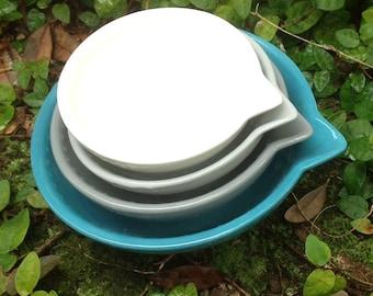 Ceramic, measuring cup, set, aqua, grey, light grey, white, nesting, bake, hostess gift, prep bowls