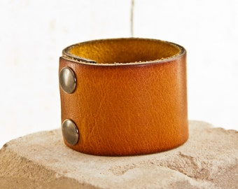 Eco Friendly Bracelet - Natural Nature Jewelry - Woodland Earthy Unique Leather Cuff - Original Jewelry - Simple Modern