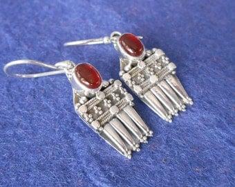 Balinese Sterling Silver Carnelian Dangle Earrings / silver 925 / Bali handmade earrings / 1.35 inch long