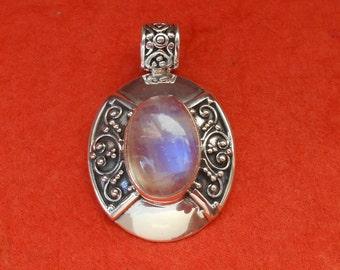 Balinese sterling silver moonstone cabochon pendant / Bali handmade jewelry / silver 925 / granulation art