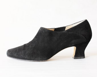 Vintage Enzo Angiolini Black Suede Booties, size 7