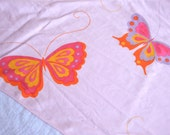 Vintage Bed Sheet - Mod Butterflies on Pink - Twin Fitted