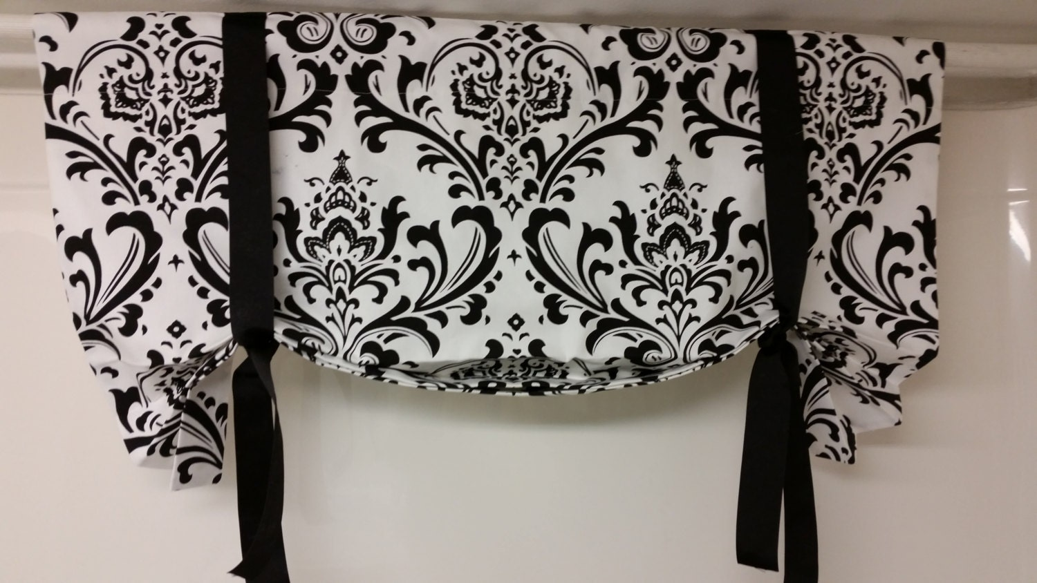 Tie Up Valance Balloon Valance Traditions Damask Black White