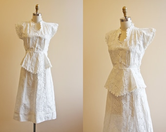 30s Dress - Vintage 1930s Wedding Dress - White Eyelet Cotton Novelty Bow Deco Garden Party Dress XS - Gamboling Cloud